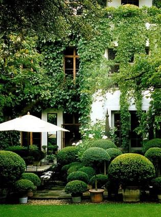 Homemyhome, décoration intérieure iinterior design inspiration jardin urbain londonien en vert et blanc