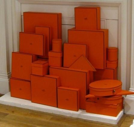 Homemyhome Decoration intérieure et scénographie, inspiration les boites orange de chez Hermès